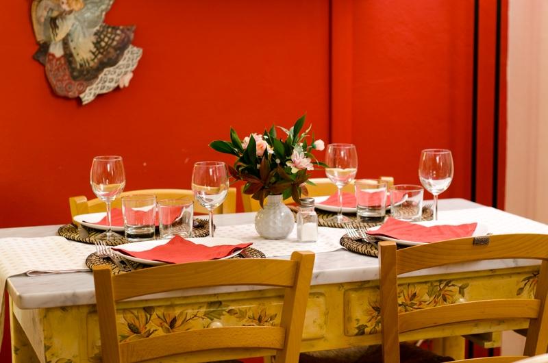 Tavolo Apparecchiato della sala Interna