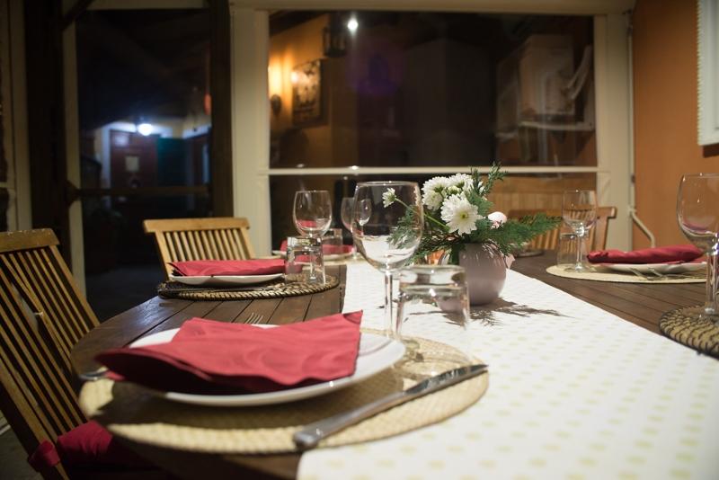 Tavolo esterno sotto la Veranda